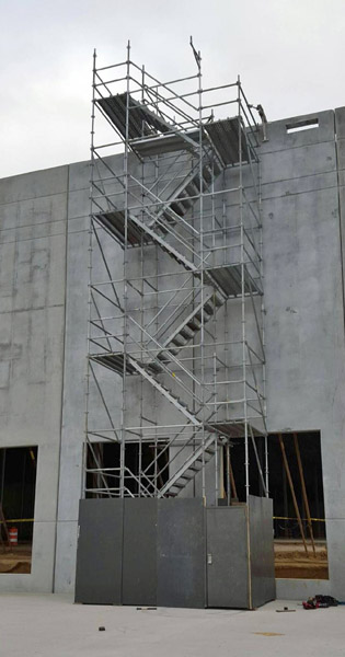 Attirant System Scaffold Stairtower Warehouse